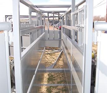 Pearson Livestock Equipment Portable Chute Tub Alley