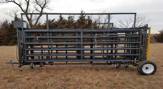 Linn Post & Pipe Bulldog Wrangler Portable Corral Side View