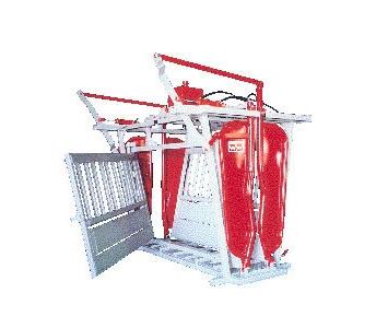 WW Livestock Systems Cattleman Hydraulic Chute